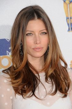 Jessica Biel lightens up her naturally dark tresses with the bayalage technique. Photo: Bob Charlotte / PRPhotos.com