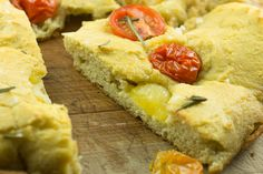 ThisPaleo Herbed Focaccia Bread recipe is easy to make and can be customizedwith your favoritetoppings. As a snack or a side, Paleo bread is delicious!