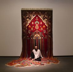 Der Künstler Feig Ahmed aus Baku in Azerbaijan ist bekannt für seine außergewöhnlichen Skulpturen, Installationen und Teppich-Artworks. Besonders seine experimentellen Carpets verstehen es Bestens,…