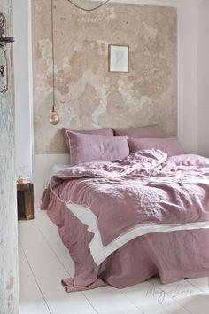 Pom pom trim linen duvet cover - Bed and Bedcover Brown Bed Linen, Neutral Bed Linen, Bedding Sets Online, Luxury Bedding Sets, Comforter Sets, King Comforter, Bedding Master Bedroom, Bedroom Decor, Bedroom Ideas