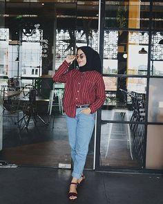Casual Hijab Outfit, Ootd Hijab, Hijab Chic, Muslim Fashion, Korean Fashion, Emo Fashion, Ootd Poses, Hijab Trends, Modern Hijab