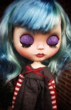 Boneca Blythe Customizada OOAK Alaia TBL | Etsy Cute Bob, Sleepy Eyes, New Charmed, Dark Photography, Alaia, Custom Dolls, Flower Dresses, Blythe Dolls, Blue Hair