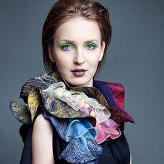 Felted scarf by Olga Solovey. www.livemaster.ru/ptichkahelga #handmade #felt #felting #red #blue #scarf #silk #wool