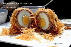 Con Tapas y a lo Loco: Huevos a la escocesa con pasta kataifi