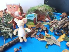 Want new ideas for reading with your child. From story sacks to commenting with PECs. Making your own Gruffalo wood and stick man. Having a tea party with the Tiger who came to tea and playing with your favourite book characters. Gruffalo Activities, Gruffalo Party, The Gruffalo, Educational Activities For Kids, Kids Learning, Gruffalo's Child, Your Child, Story Sack, Nursery Activities