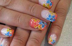 Diseños de uñas con rosas flores, Diseños de uñas con rosas gel.  Follow! #diseñouñas #nailsdesign #uñasconbrillos