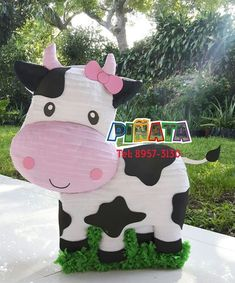 Ideas for lola cow party birthday decoration Farm Animal Party, Farm Animal Birthday, Barnyard Party, Cowgirl Birthday, Farm Party, Cow Birthday Parties, Farm Birthday Cakes, First Birthday Themes, 1st Birthday Girls