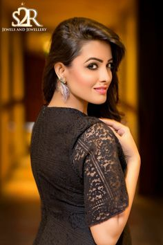 On Demand , Sharing More From The Event Anita Hassanandani Reddy Looking Adorning By Jewels and Jewellery For Her Event In Indian Tv Actress, Beautiful Indian Actress, Beautiful Actresses, Indian Actresses, Hollywood Actress Photos, Hollywood Girls, Hollywood Heroines, Bollywood Bikini, Bollywood Actress Hot