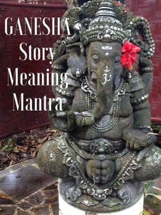 All About Ganesha: why he's so popular, how Ganesh can help you, his story, and a mantra you can chant or sing to Ganapati Sri Ganesh, Lord Ganesha, Shiva Hindu, Ganesha Art, Shiva Shakti, Hindu Art, Lord Shiva, Yoga Studio Design, Easy Meditation