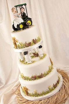 John Deere Country Tractor Fall Wedding Cake - I had to pin this simply because there are chickens on the wedding cake!
