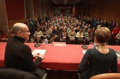Presentación de «La Terapeuta» en Vigo. ¡Gracias por una acogida tan cálida! - Faro de Vigo http://www.gaspar-hernandez.com/prensa/