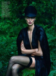 Raven Forest Mavens - The 'Le Noir Partie Vogue Paris September 2012 Editorial Stars Supermodel Daria Werbowy. Photo by Mert & Marcus, cape by Roberto Cavalli, hat by Philip Treacy, lace unders by Calvin Klein. Daria Werbowy, Foto Fashion, Fashion Shoot, Editorial Fashion, Paris Fashion, Vogue Editorial, Vogue Fashion, India Fashion, Daily Fashion