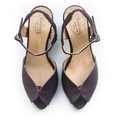 Purple classic sandals by Liebling. Handmade leather shoes.