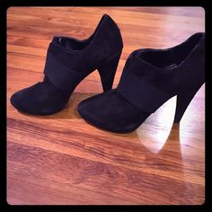 Classic black heels - excellent condition Rarely worn Jessica Simpson Shoes Heels