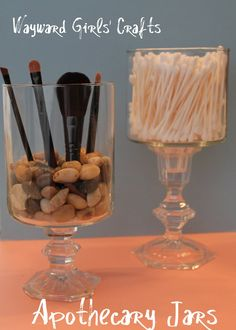 Clever makeup brush storage and attractive too! I am going to add this to my vanity right away...the time it will save hunting for the right brush!