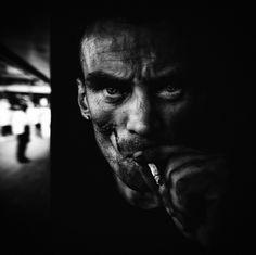 http://culturacolectiva.com/Retratando-la-vida-en-las-calles-Lee-Jeffries