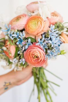 Centerpiece Celebrations: My Take on a (Non-Traditional) July Fourth Bouquet. Learn how to make your very own! #bouquet #flowers #flowerpower #diybouquet