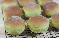 Japanese Green Tea Bread with Red Bean Fillings02