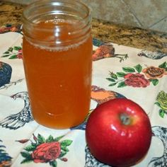 Learn about the many uses of organic apple cider vinegar from cleaning to beauty and how to make it in your own home. Apple Cidar Vinegar, Organic Apple Cider Vinegar, Homemade Apple Cider, Hard Apple Cider, Canning Vegetables, Real Food Recipes, Healthy Recipes, Earth News, Plant Based Eating