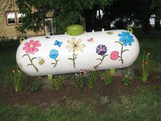Propane Tank Art, Propane Tank Cover, Farmhouse Landscaping, Backyard Landscaping, Landscaping Ideas, Backyard Ideas, Garden Ideas, Farm Plans, Helium Tank
