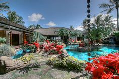 The Plantation Estate on Kailua Beach in Oahu, Hawaii.WHERE OBAMA IS STAYING>>PLUS FLEW THE JET BACK & FORTH>>TO WASHINGTON>>JUST FOR SHOW AS BIDEN GOT THE FISCAL DEAL THROUGH>>HOW MUCH DID THE FLIGHT COST US TAXPAYERS>>JUST A SHOWBOAT!!!! THINK ONLY THE DUMMIES WHO VOTED FOR HIM SHOULD PAY FOR HIS TRASH!!!!!!