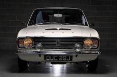Cortina mk2 estate Classic Cars British, Ford Classic Cars, 80s Classics, Car Ford, Commercial Vehicle, Car Photos, Sport Cars, Custom Cars, Jdm