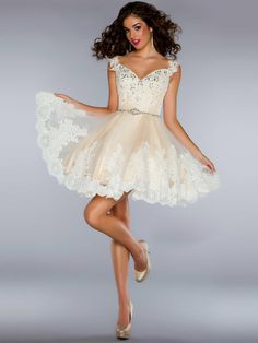 I'm buying this dress!!  A-line Spaghetti Straps Sleeveless Tulle Cocktail Dresses/Short Prom Dresses With Lace #BK031