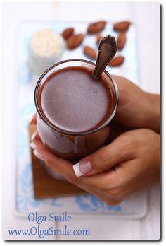 Mleko ryżowe czekoladowe Dokładnie tak! Mleko ryżowe czekoladowe uwielbiają wszystkie dzieci. Słodkie, gęste, pachnące mleko ryżowe czekoladowe albo napój, jeśli wolisz taką nazwę, wspaniale rozchodzi się w ustach dając wyjątkowe uczucie rozleniwienia niczym gorąca czekolada przy