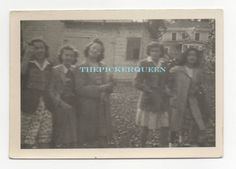 Antique Vintage Photograph~5 Young Women~Girls~Group~Outside~Trees~Females