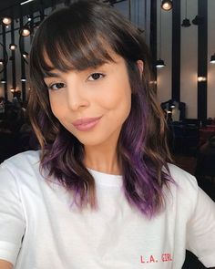 Colored streaks - Trends in coloring, Cabelo Lucy Hale, Purple Hair Streaks, Colored Streaks In Hair, Purple Hair Highlights, Dyed Hair Purple, Hidden Hair Color, Hair Color Underneath, Underlights Hair, Aesthetic Hair