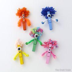 Peg monster craft Easy Crafts For Kids, Summer Crafts, Fall Crafts, Art For Kids, Kids Diy, Halloween Crafts For Kids To Make, Craft Kids, Easy Halloween, Crafts Toddlers