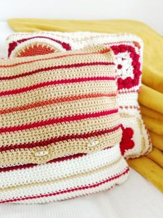 The final part of the Fall in New England cushion CAL. Check out the free pattern #crochet #freecrochetpattern #crochetcushion #crochetpillow #crochetcushionpattern #crochetpillowpattern #freecrochetcushionpattern #freecrochetpillowpattern #autumncrochet #fallcrochet #freecrochetpatterns Crochet Cushion Pattern, Crochet Cushions, Crochet Patterns, Pillow Patterns, Crochet Fall, Free Crochet, New England Fall, Crochet Videos, Free Pattern