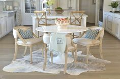 8 Exquisite Cool Tips: Transitional Coastal Inspiration transitional kitchen san francisco.Transitional Coffee Table The Room. Transitional Living Rooms, Transitional Kitchen, Transitional Decor, Modern Living, Dining Chairs, Dining Table, Dining Room Inspiration, Sunday Inspiration, Kitchen Styling