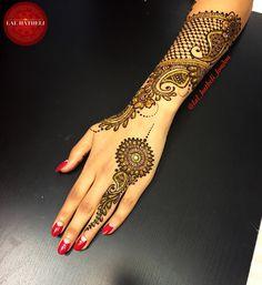 Stunning lace Mehndi by Lal Hatheli