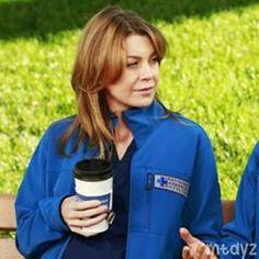 Couple Grey's Anatomy part 1 Meredith Grey, Meredith E Cristina, Gossip Girl, Cristina Yang Grey's Anatomy, Grey's Anatomy Wallpaper, Comic Book Makeup, Hot Doctor, Mike B, Greys Anatomy Characters