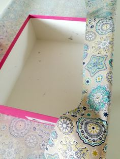 How to make a fabric storage box? – My Totem Cardboard Organizer, Sewing Online, Nail Salon Design, Coin Couture, Fabric Storage Boxes, Creative Box, Homemade Christmas Gifts, Diy Home Crafts, Sewing Projects