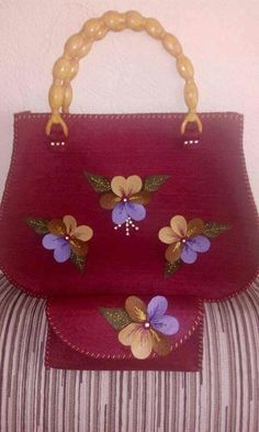 This Pin was discovered by Zuh My Bags, Purses And Bags, Homemade Bags, Hessian Bags, Lace Painting, Denim Purse, Felt Purse, Handmade Handbags, Fabric Bags