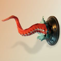 Tentacle wall hook