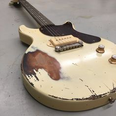 Relic Guitars The Hague is a custom shop, based in The Hague - The Netherlands. We build around 250 guitars each year by hand, using techniques used 'back Vintage Guitars For Sale, Les Paul Jr, Guitar Drawing, Guitar Gifts, Gibson Custom Shop, Guitar Photography, Les Paul Guitars, Les Paul Custom, Guitar Collection