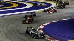 """Red Bull Racing op Twitter: """"10 laps in and it's Daniel P2 and Max P7 as he…"""