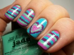 Ruffle Nails..hmmm never would have thought i would love this so much but i wish my nails were like this right now.