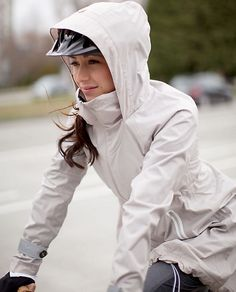 lululemon ride on rain jacket, for those spring days riding my bike to and from yoga