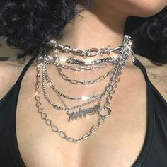 A dainty gold choker thats trendy and an everyday jewelry staple. Delicate filigree details make this feminine choker necklace special and a must have! Necklace is 13 inches in length Grunge Accessories, Grunge Jewelry, Jewelry Accessories, Piercings, Aesthetic Grunge, Aesthetic Fashion, Grunge Outfits, Grunge Fashion, Fashion Outfits