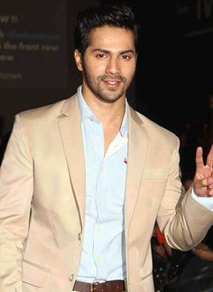 Now it's Varun Dhawan talking about Gippi!
