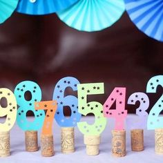 new year's eve party decoration and/or photo prop idea! New Years Eve Decorations, Diy Party Decorations, Christmas Decorations, New Year's Crafts, Diy And Crafts, Deco Nouvel An, Bunco Themes, New Years Eve Events, New Years Countdown