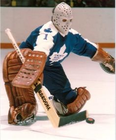 Goalie Photos Through The Years Thread Hockey Goalie, Hockey Games, Field Hockey, Hockey Players, Ice Hockey, Nhl, Maple Leafs Hockey, Hockey World, Goalie Mask