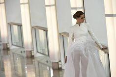 Creación de Stephane Rolland de la colección primavera-verano 2015 de alta costura durante de la Semana de moda es París, Francia. (Martin Bureau/AFP)