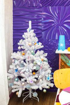 Фото из статьи: Новогодний декор: крутой пример использования фиолетового цвета