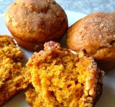 A recipe for delicious pumpkin muffins that you can prep the night before and bake in the morning! Fast and delicious these Best Pumpkin Muffins are easy to prep the night before when you want a great breakfast. I love Pumpkin Muffins! Köstliche Desserts, Delicious Desserts, Dessert Recipes, Yummy Food, Egg Free Recipes, Baking Recipes, Pumpkin Recipes, Fall Recipes, Best Pumpkin Muffins
