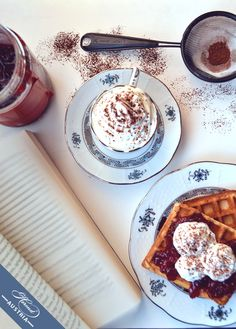 Waffle, jam and the famous Apponyi décor by Herend store. A Table, Waffles, Inspirational, Autumn, Meals, Store, Breakfast, Tableware, Food